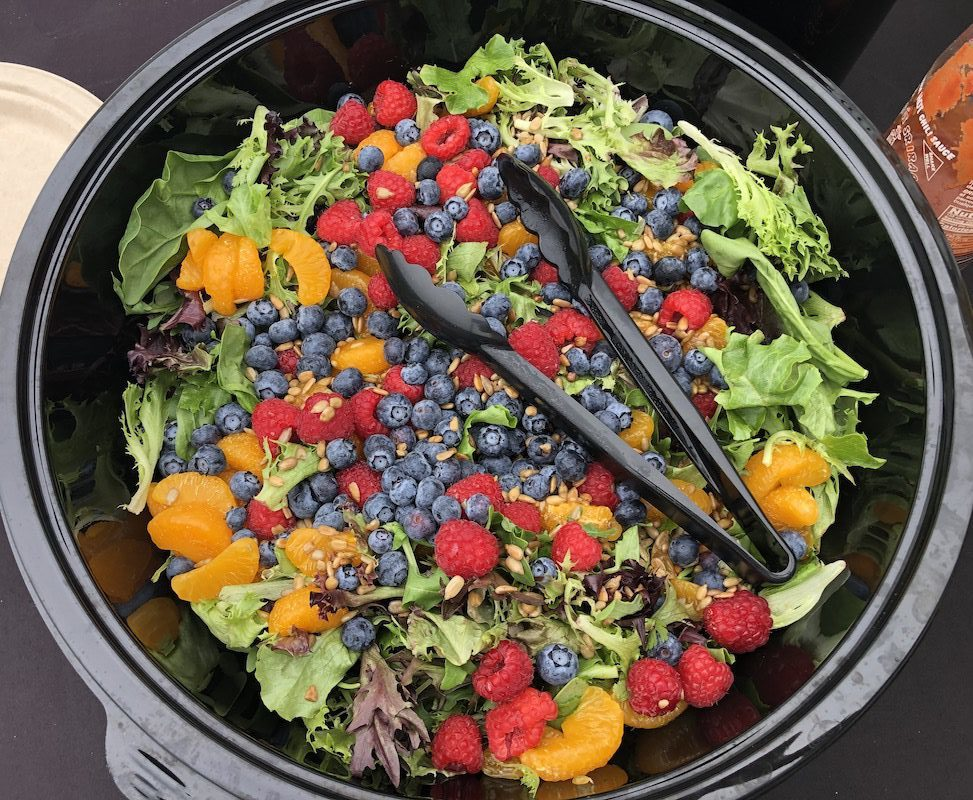 Green salad with fresh berries